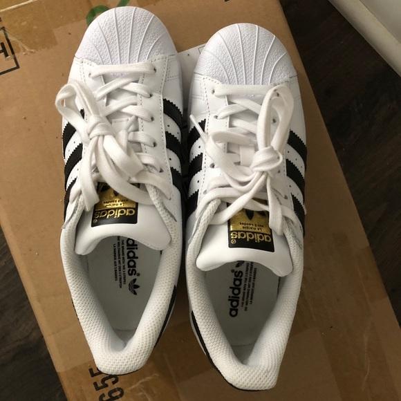 adidas superstar nero e scarpe bianche poshmark sz 55